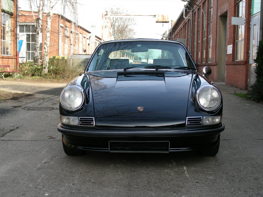 Porsche 911 2 4 S Targa 171 Movisti Classic Automobiles