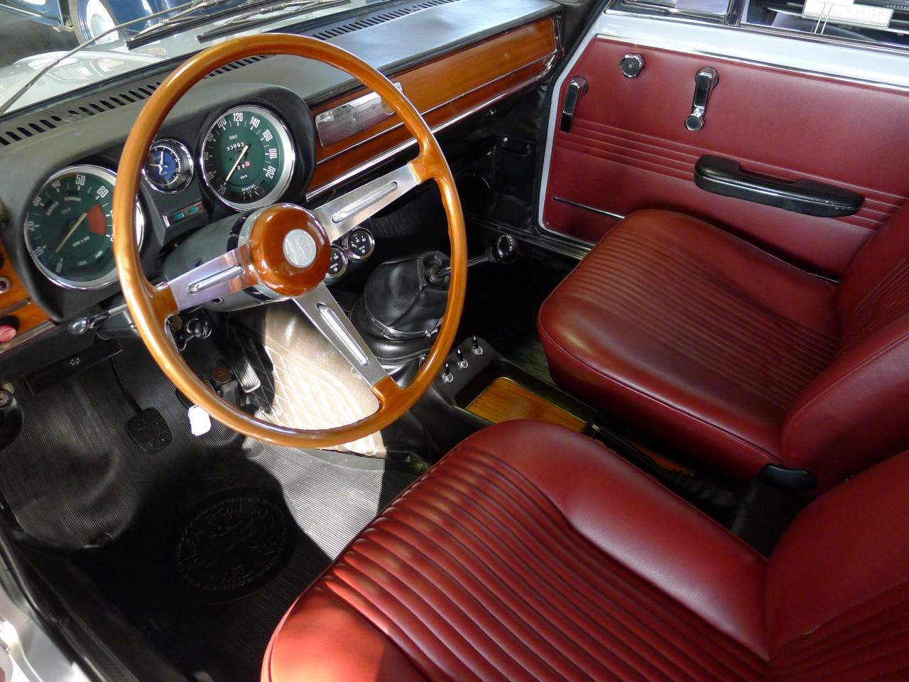 alfa romeo giulia super 1 3 movisti classic automobiles. Black Bedroom Furniture Sets. Home Design Ideas